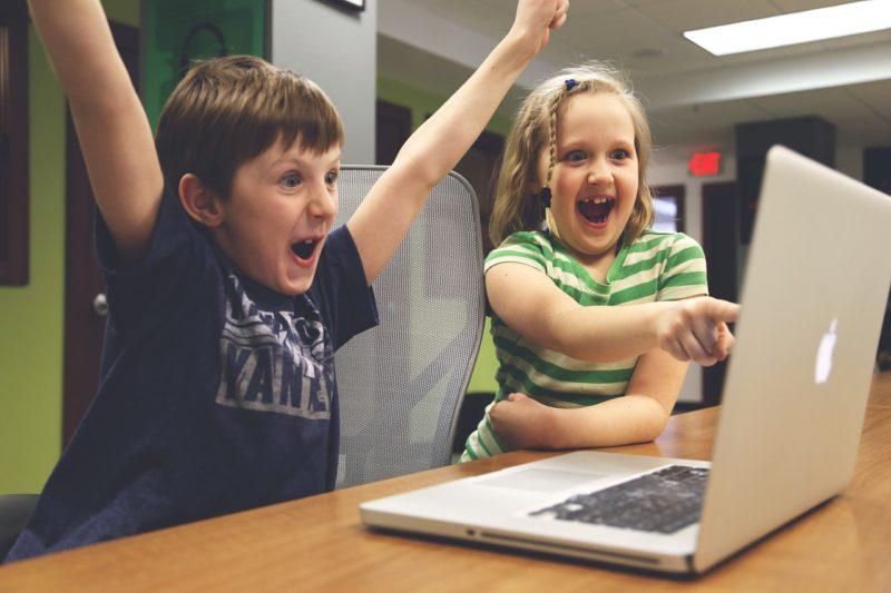子どもとパソコン